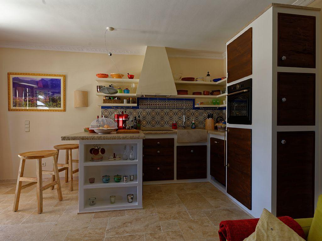 Ihre komplett ausgestattete Küche mit Essplatz